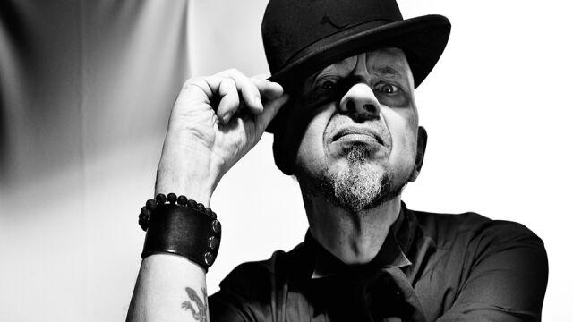 Olaf Deriglasoff: robię banalne piosenki