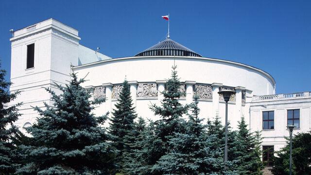 Sondaż CBOS: tylko trzy ugrupowania w Sejmie