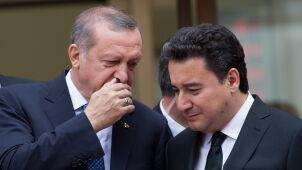 Cios w Erdogana, Babacan odchodzi.