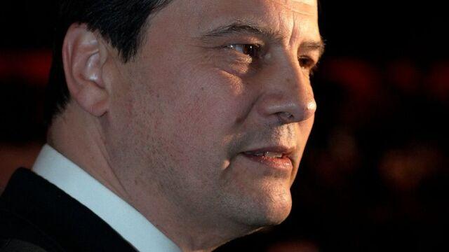 Blamaż francuskich socjalistów. Lider podaje się do dymisji
