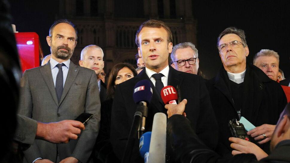 Macron: Katedra zostanie odbudowana. Zrobimy to wszyscy razem