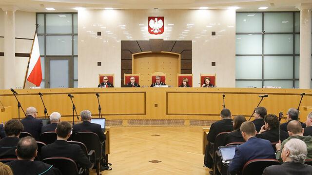 TK o rozpoczęciu kadencji sędziego od zaprzysiężenia przez prezydenta