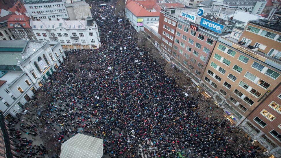 Słowacja: największe protesty od czasów aksamitnej rewolucji