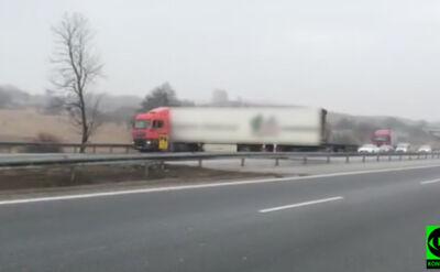 """Ciężarówka zawraca na A4. """"Pokazałbym to jako przestrogę"""""""