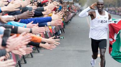 Rekordzista świata prosi o pomoc dla sportowców.
