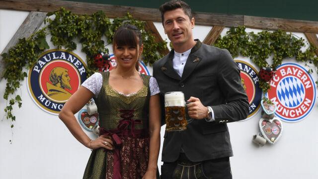 Miliony litrów piwa, tysiące kiełbasek i Lewandowscy w tradycyjnych bawarskich strojach