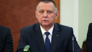 Marian Banaś i 200 tysięcy złotych. Wątpliwości w sprawie oświadczeń majątkowych