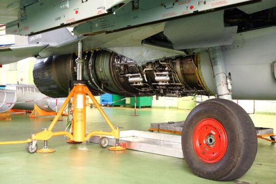 Na czas pobytu w zakładach myśliwce dostają stare i zużyte opony, aby nie uszkodzić tych wykorzystywanych normalnie