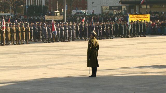 Uroczysta defilada na Placu Piłsudskiego