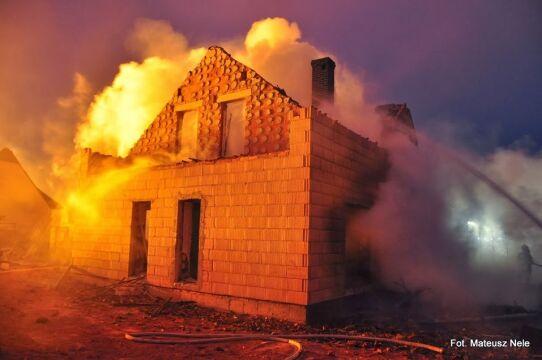 Domy znajdujące się najbliżej gazociągu spłonęły dokumentnie