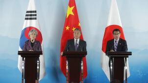 Chiny w roli godzącego Japonię i Koreę Południową