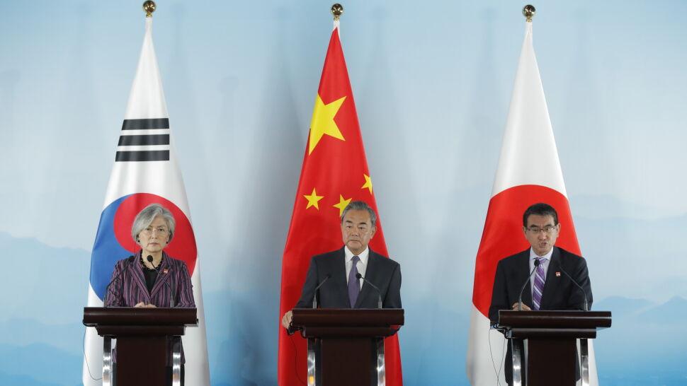 """Seul wycofuje się z porozumienia z Japonią. Decyzja """"wybitnie godna ubolewania"""""""