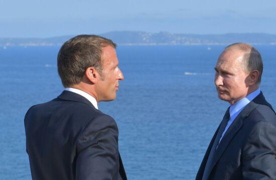 Putin spotkał się z Macronem na Lazurowym Wybrzeżu