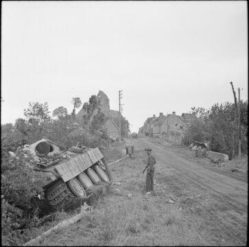 Zniszczona niemiecka Pantera w okolicach Lingevres (20.06.1944)