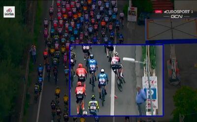 Kraksa Weeninga na 4. etapie Giro d'Italia. Holender wywrócił się przez bidon
