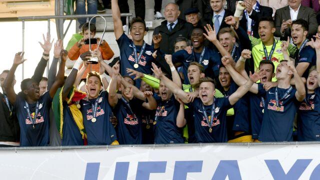 Polak wygrał młodzieżową Ligę Mistrzów. Ograł między innymi Barcelonę