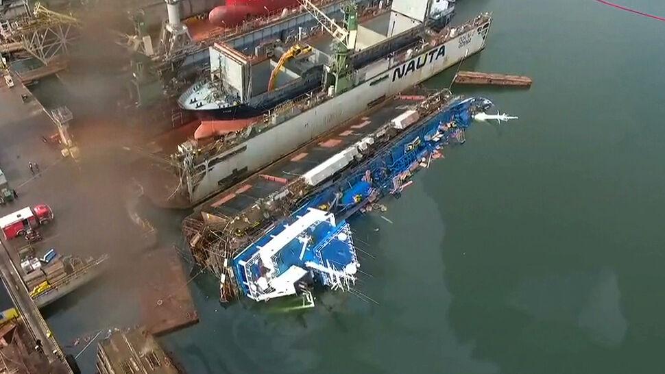 Wypadek w gdyńskiej stoczni. Przewrócił się dok ze statkiem