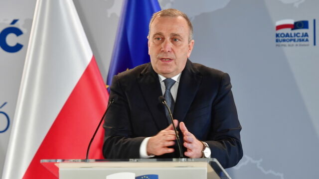 """""""Kto podnosi rękę na polskie dzieci, podnosi rękę na państwo polskie"""""""