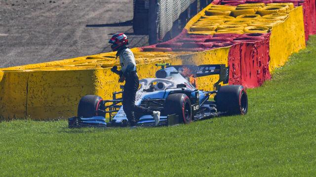 """Silnik spłonął, Kubica opanowany. """"Zdarza się"""""""