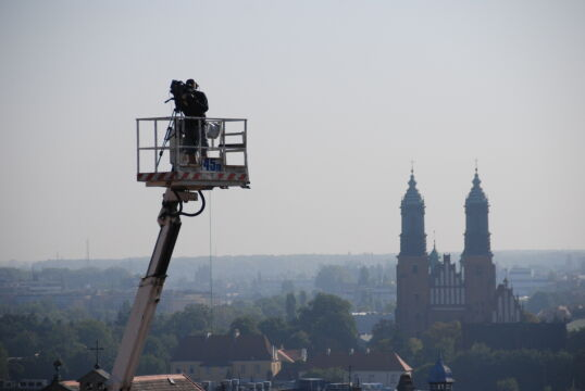 Operator kręcił zdjęcia Poznania z wysokości 45 metrów