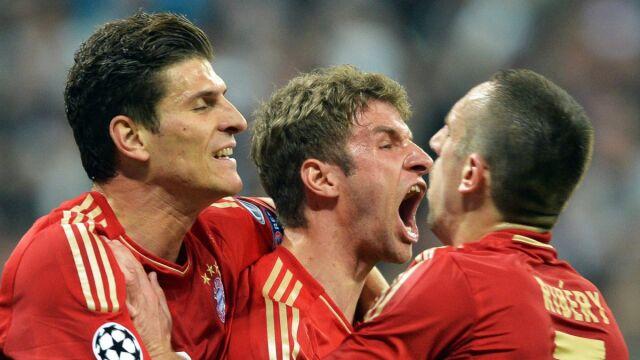 """Brak klauzuli, w co gra Bayern? """"Wolimy, żeby Robert odszedł za darmo"""""""
