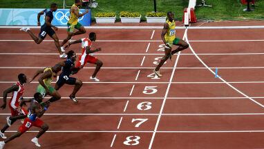 Odpowiednia odległość na wagę złota. Bolt apeluje legendarnym zdjęciem