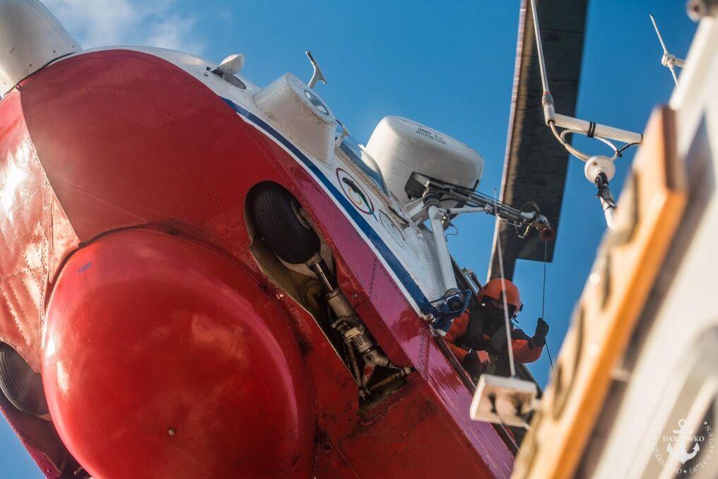 Mi-14 PŁ/R może wylądować na wodzie i z niej wystartować, ale robi się to tylko w sytuacjach nadzwyczajnych