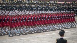 Samoloty, czołgi, kobiece oddziały, nowe pociski i gołębie pokoju. Pokaz mocy w Pekinie