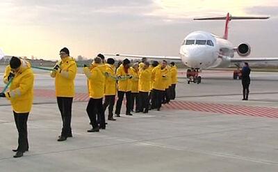 Zobacz jak politycy PO ciągnęli samolot OLT