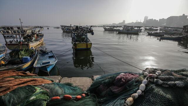 Izrael ograniczył obszar połowów wzdłuż Strefy Gazy. Odwet za płonące balony