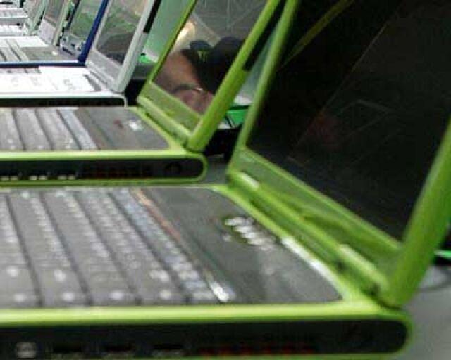 Rząd funduje uczniom laptopy