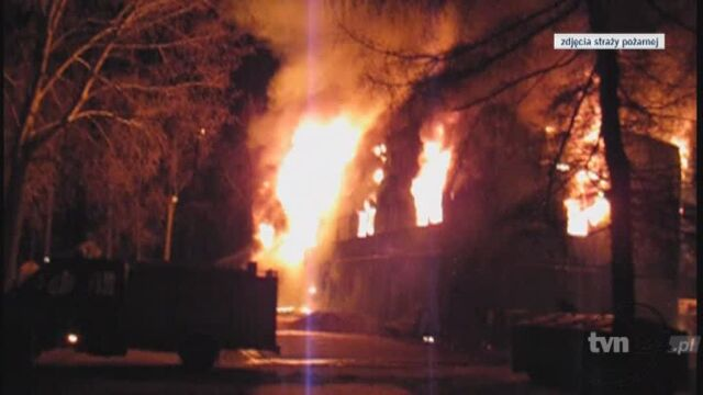 Pożar doszczętnie strawił budynek w którym zameldowanych było ponad 77 osób