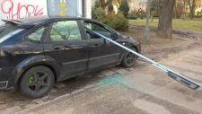 Wandale powybijali szyby w samochodach