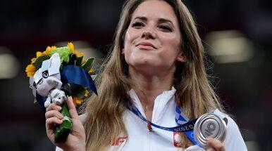 Andrejczyk zlicytuje medal.