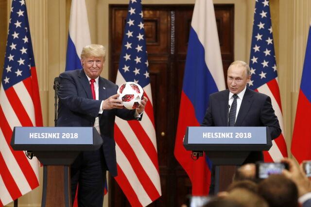 Piłka od Putina dla Trumpa.
