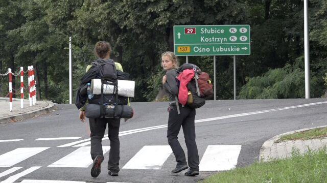 Idą pieszo dookoła Polski. Zajrzą na pole Pol'and'Rock Festiwal