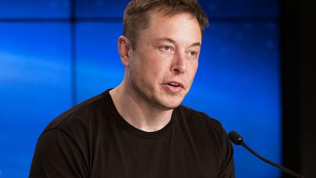 Musk przeprasza za nazwanie nurka pedofilem.  Twierdzi jednak, że został sprowokowany