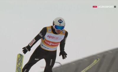 Skok Kamila Stocha z konkursu drużynowego w Oslo