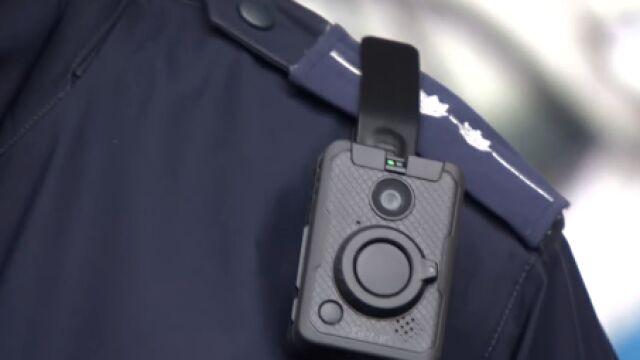 Policja krytykuje baterie w kamerach osobistych. Dystrybutor zdumiony