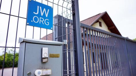 """Świadkowie Jehowy skazani za ekstremizm. """"Wybaczają swoim prześladowcom"""""""