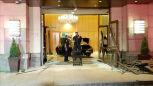 Wypadek w luksusowym wieżowcu Trump Plaza. Samochód wjechał do lobby