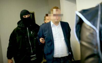 """""""Spotykał się z agentami GRU, lobbował na rzecz Rosji, miał dotrzeć do tajnego raportu"""". Ujawniamy zarzuty dla Stanisława Sz."""