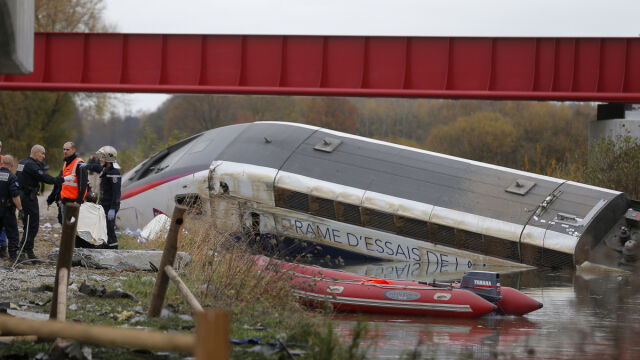 10 ofiar katastrofy TGV. Pociąg wypadł z torów