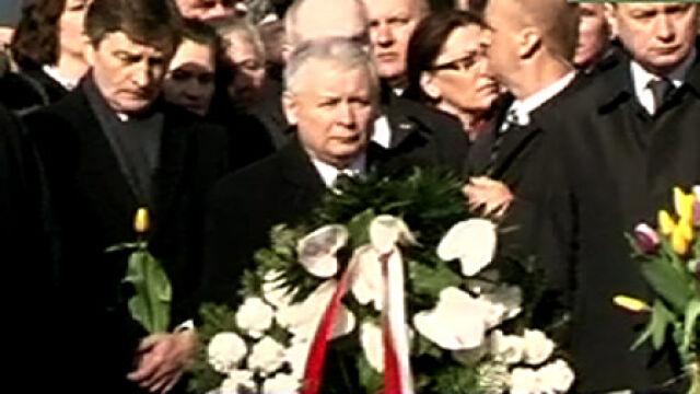 Prezes PiS pod Pałacem Prezydenckim (TVN24)