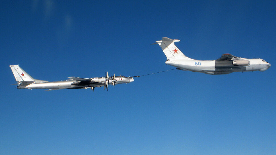 Dowódca sił NATO w Europie: Rosjanie wlatują głębiej, w większych formacjach