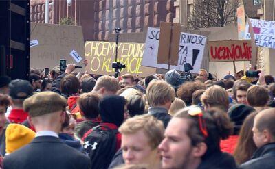 Strajkujący nauczyciele mogą liczyć na wsparcie lekarzy, artystów i uczniów