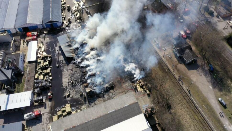 """""""Sytuacja wyglądała tragicznie"""".  Pożar w zakładzie przemysłu drzewnego"""