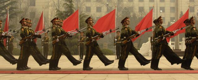 """Chińska armia przestaje być """"ludowa"""" i """"wyzwoleńcza"""""""