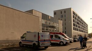 Szpitalom brakuje personelu i pieniędzy