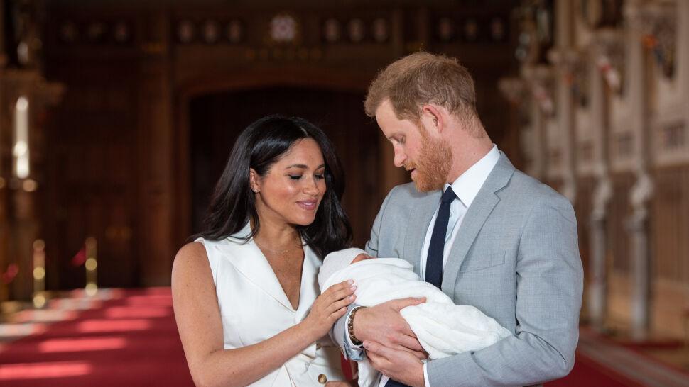 """Media śledziły każdy jego krok. Książę Harry """"jest głęboko unieszczęśliwiony rolą członka rodziny królewskiej"""""""